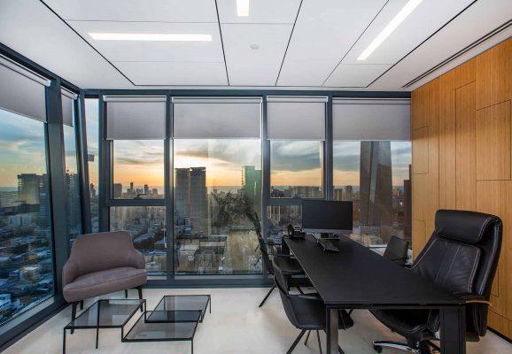 משרד פינתי עם נוף פנורמי